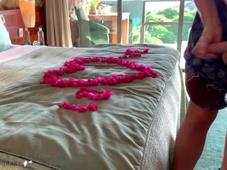 Die betrügerische Braut Gianna Dior fickt die beste Freundin des Bräutigams
