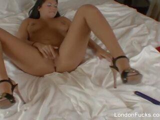 Vanessa Mae doorboord in haar kont
